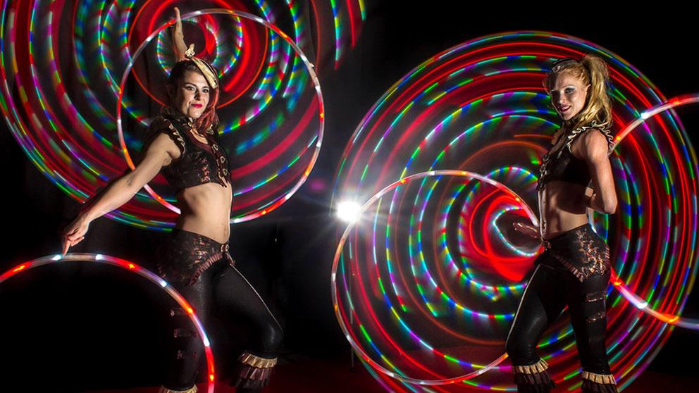 https://ottawabuskerfestival.com/wp-content/uploads/2018/06/performer_sisters_of_spin.jpg