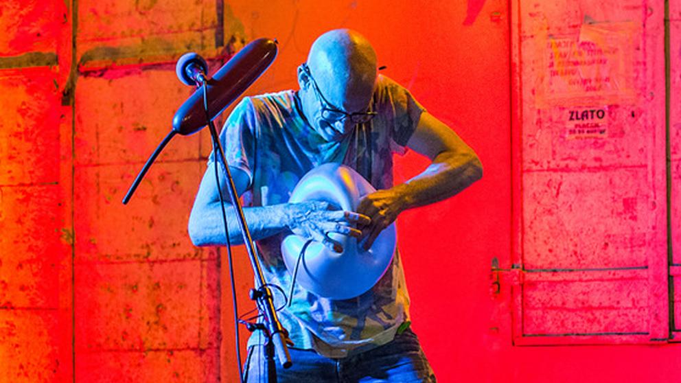 https://ottawabuskerfestival.com/wp-content/uploads/2018/07/performer_balloon_maestro.jpg
