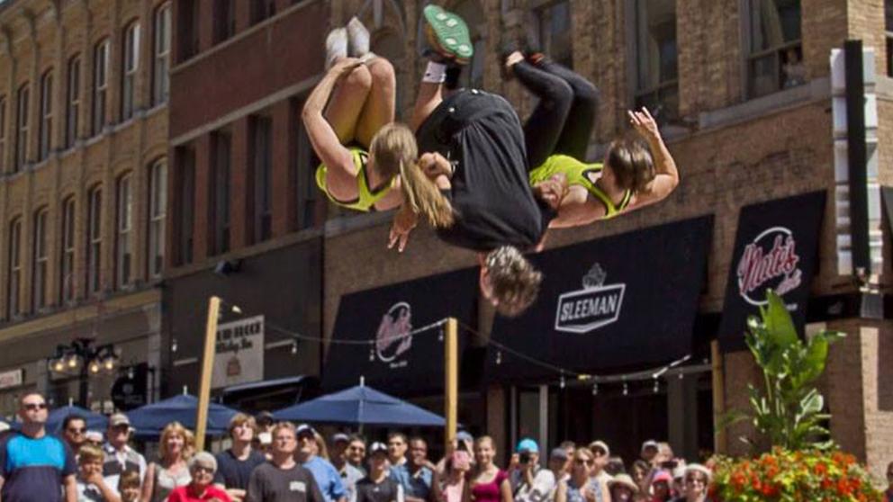 https://ottawabuskerfestival.com/wp-content/uploads/2018/07/performer_spring_action.jpg